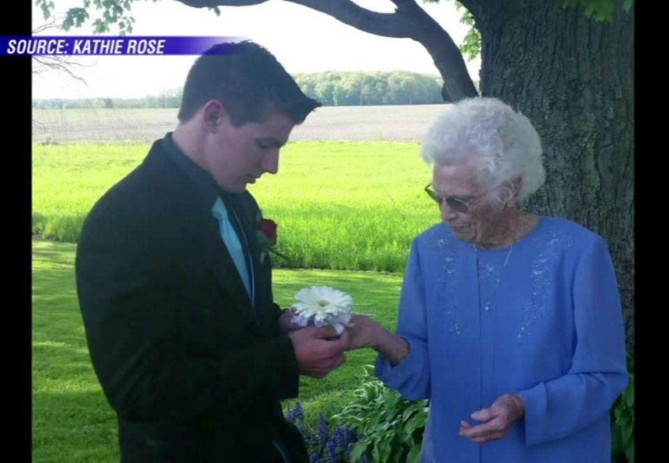 grandma dating grandson
