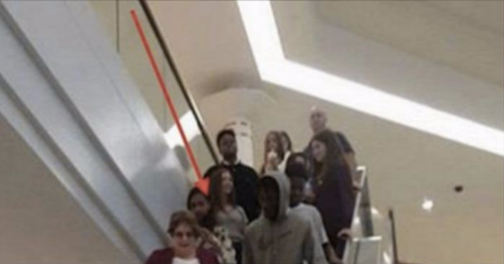 Fort Wayne Mall >> She's Looking For Grandma – When She Notices What the Teen ...