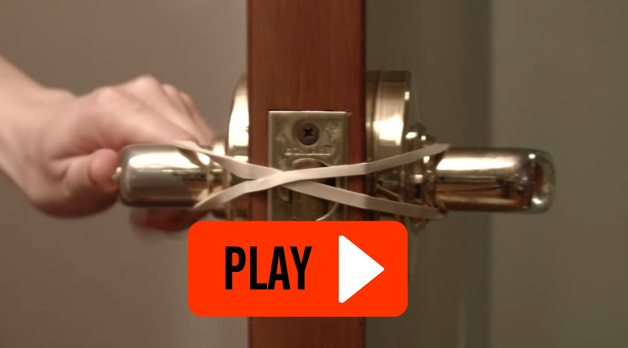 Video She Decides To Stretch Rubber Bands Around Her Door